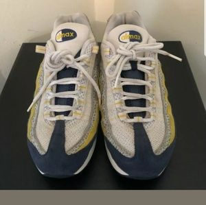 Nike Air Max 95 Running Sneakers (NO INSOLES)